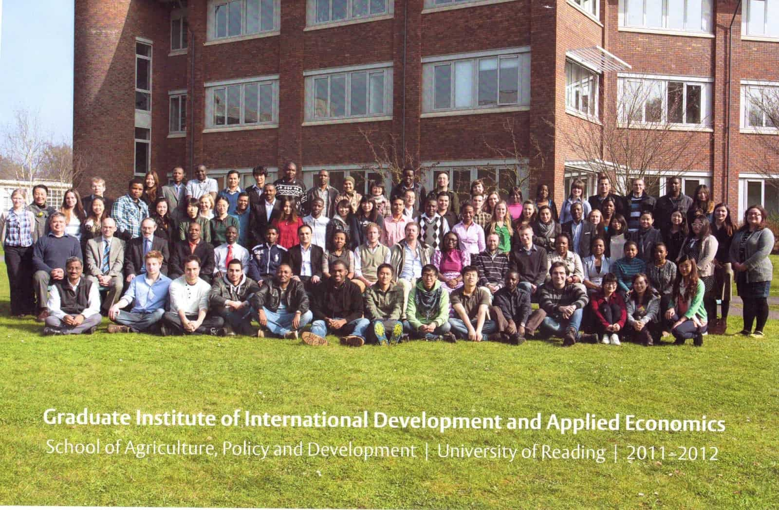 ภาพตอนเรียนจบ International Development and Applied Economics ที่ University of Reading